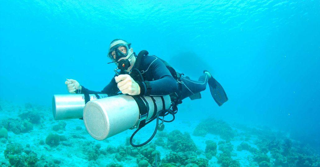 SDI Sidemount Diver